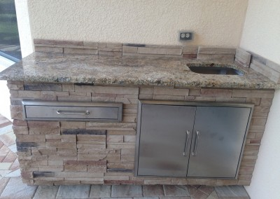 Outdoor sink and kitchen Naples