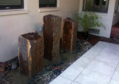 three-pillar-backyard-water-feature