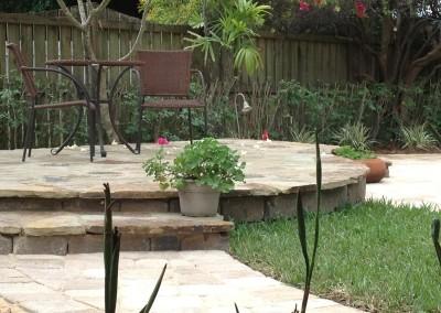 Raised-flagstone-patio-area
